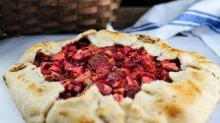 Strawberry Rhubarb Rustic Tart