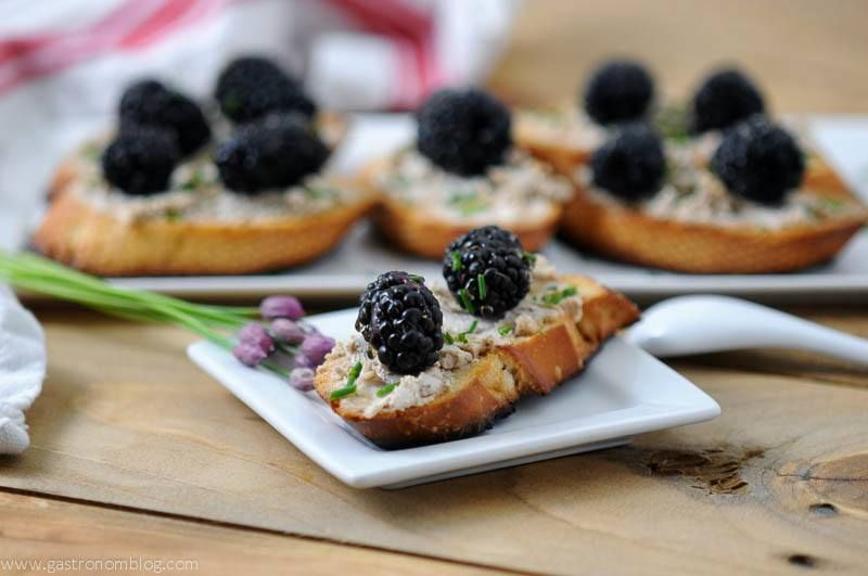 Blackberry Fig Goat Cheese Crostini