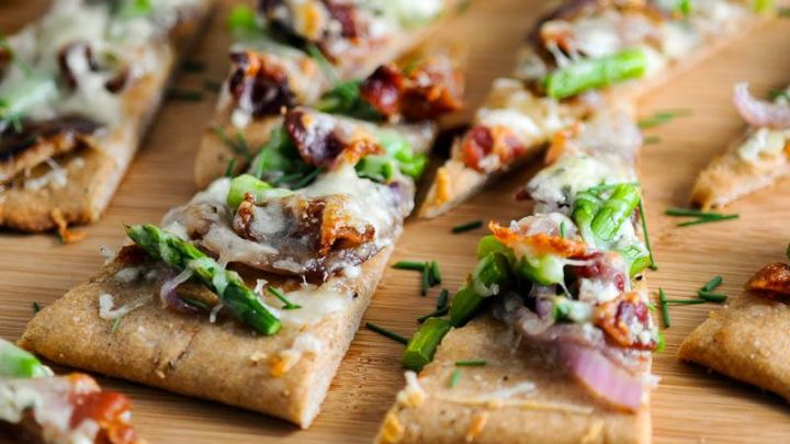 Bacon and Blue Cheese Flatbreads