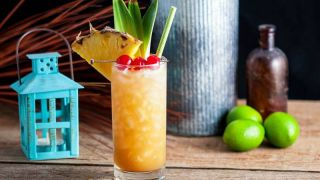 Fall in Paradise - A Pineapple and Rum Cocktail
