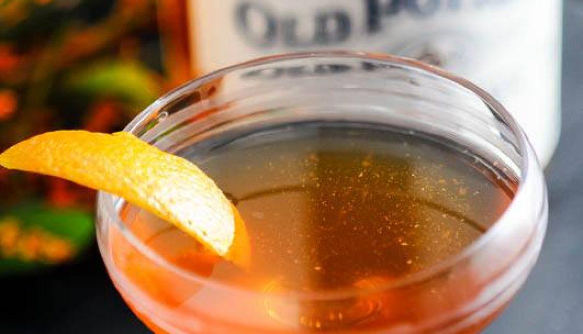 An Earl Grey Manhattan cocktail