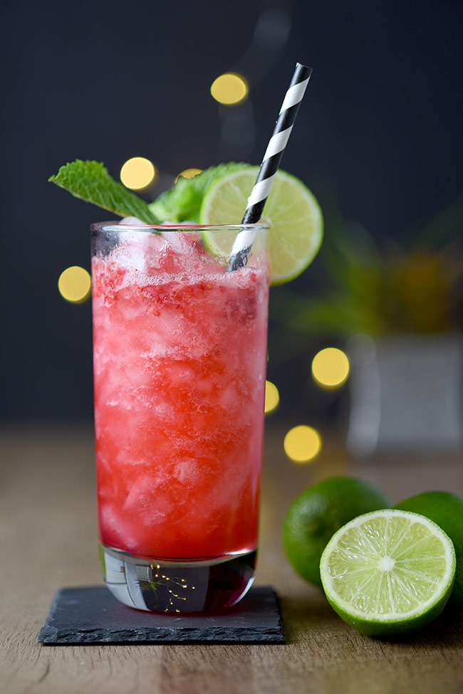 Raspberry Sloe Gin Fizz Cocktail