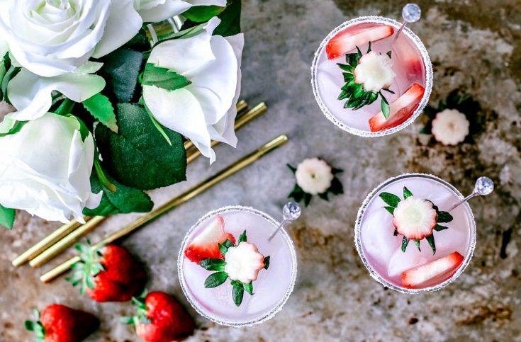 Spiked Strawberry Lemonade Fizz