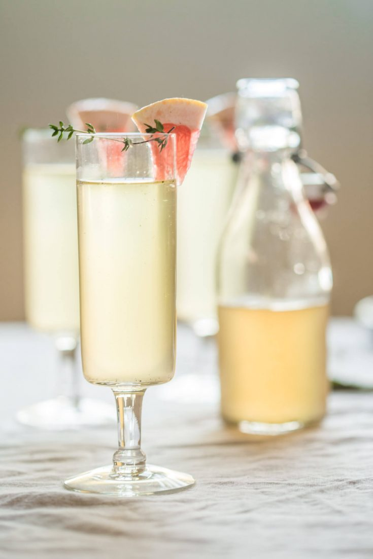 Vanilla Bean & Grapefruit Sparkling Cocktails